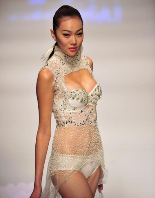 中国国际时装周上演内衣大赛