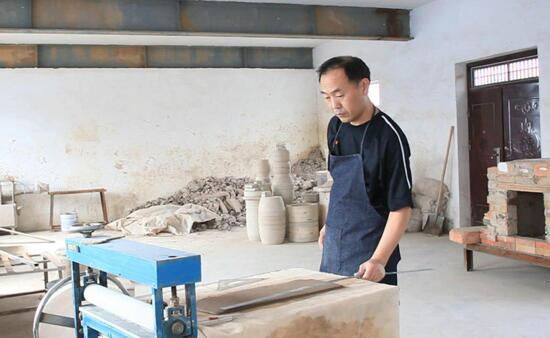 刘志钧:志在钧瓷技法自然